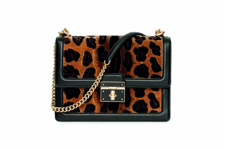 <strong>Napa Leather and Velvet Leopard Print Dolce Bag</strong>&lt;p&gt;The removable strap also front locking closure and enamelled flower made this bag so versatile. This bag also features light gold hardware and cotton lining with velvet leopard print on organza base&lt;/p&gt;<div>$ 2,995.00</div><div></div>