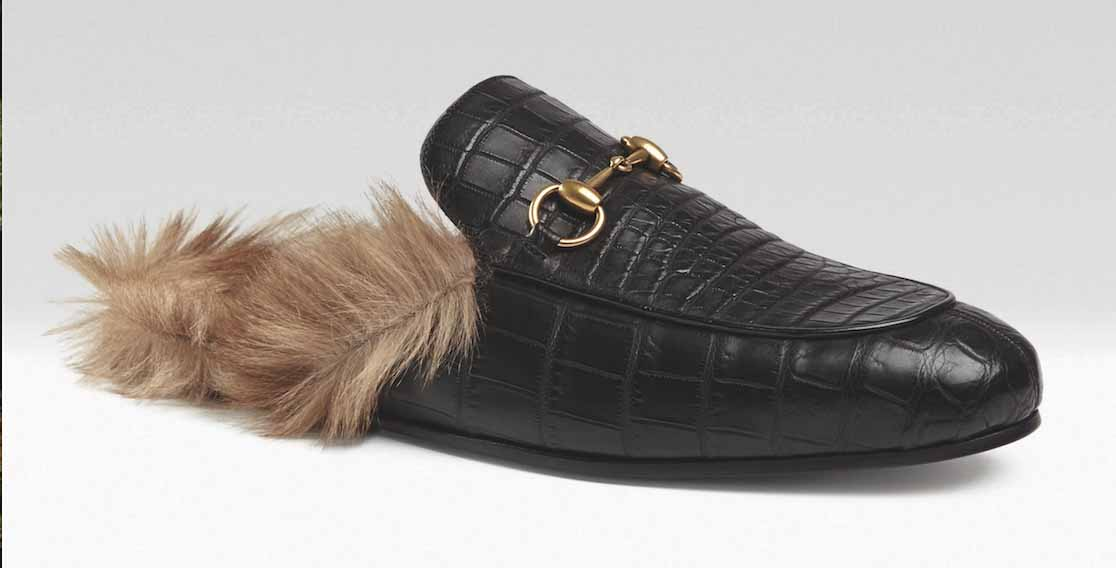 b0eaa618ff17 A black leather loafer fully lined with kangaroo and finished with our  signature horsebit detail. Price   990.00. More from Gucci