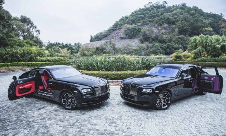 rolls royce black badge ghost and wraith indulgent. Black Bedroom Furniture Sets. Home Design Ideas