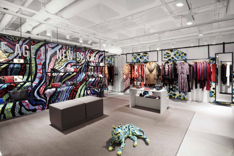 17150551-roberto-cavalli-hk-pop-up-store-interior-3-low-res_article_2000x1334.jpg