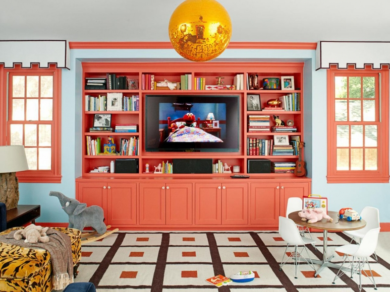 Living-Coral-Color-Interior-Decor_1.jpg