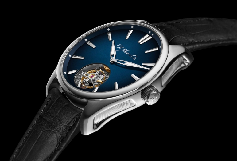 07154658-h-moser-and-cie-pioneer-tourbillon-en-acier-c_article_1920x1300.jpg
