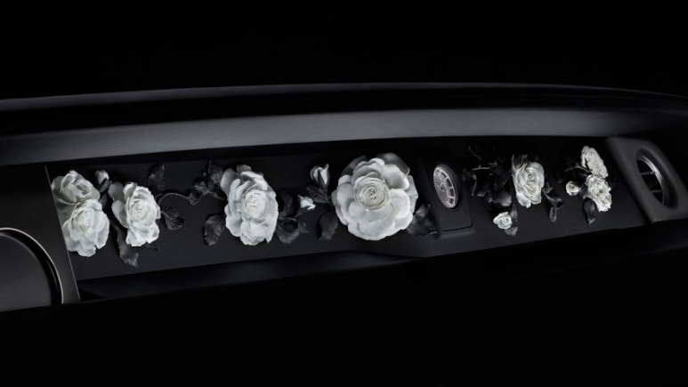 29153458-rolls-royce-phantom-design_dezeen_2364_col_11-852x479_resized_852x479.jpg