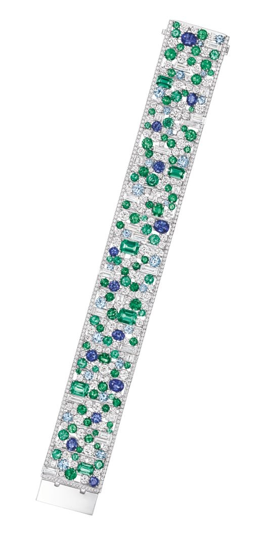 4-11152926-harry-winston-jewellery-and-watch-1056x5202_article_520x1056.jpg