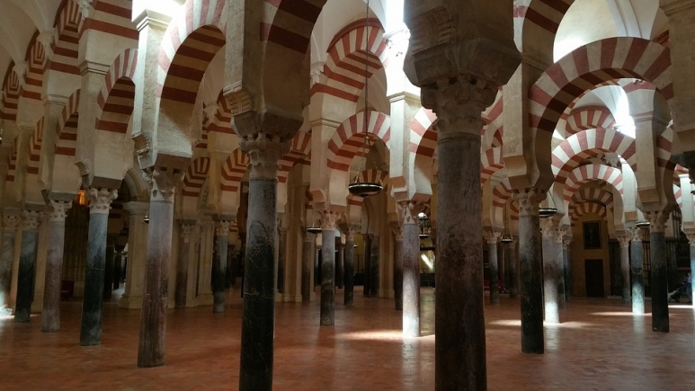 mosquecathedral-of-cordoba-1541600_960_720.jpg