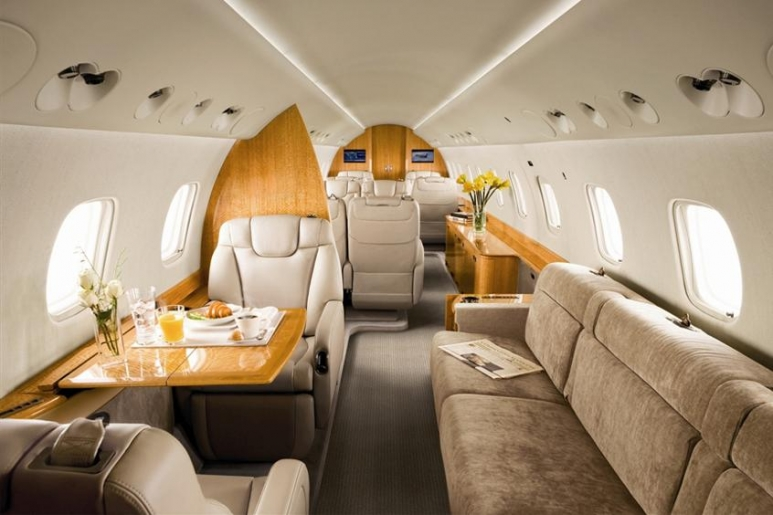 Legacy-600-Executive-PrivateFly-AA9752.jpg