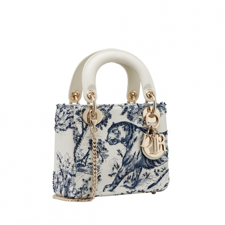 <strong>The Lady Dior Toile de Jouy</strong>&lt;p&gt;Rustic yet modern, the Dior Cruise 2019 collection blends traditional elements with dashes of galloping freedom along the way. For example, dresses made of cotton lace adorned the models combined with tiny wooden beads that paid homage to the Escaramuza riders who are known to only wear garments of cotton or linen, exuding ethereal and elegant looks.&lt;/p&gt;